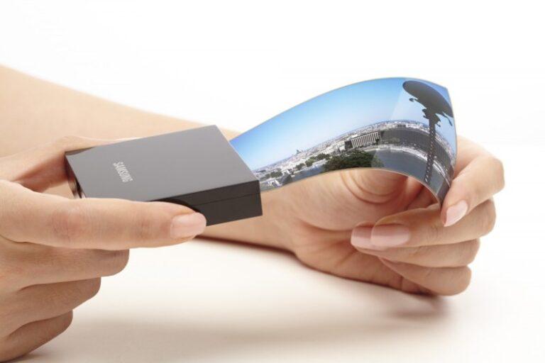 Samsung Display, Ekim ayından itibaren Google, Xiaomi ve Vivo'ya katlanabilir OLED paneller sağlamaya başlayacak
