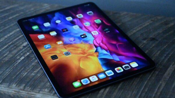 Apple 10,9 inç OLED ekranlı bir iPad piyasaya sürecek