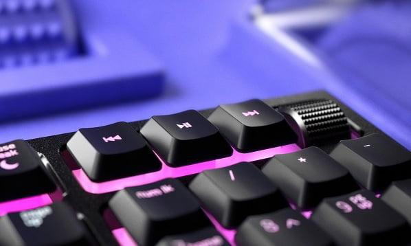 Razer Ornata V2 - TR oyuncu klavyesi incelemesi