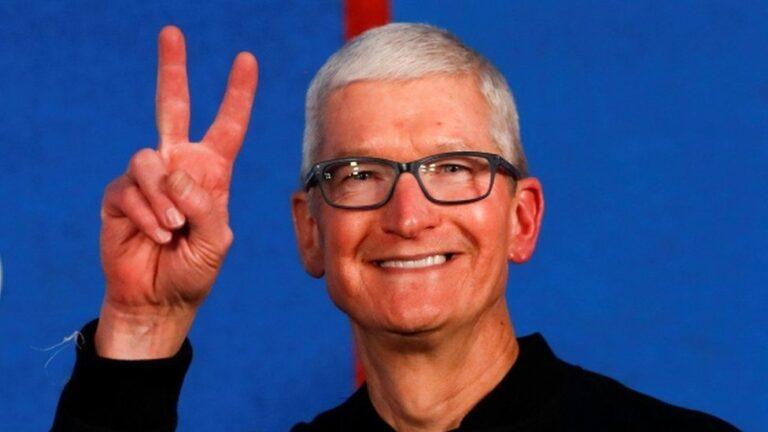 Tim Cook iPhone kullanıcıları ile ilgili sert eleştiride bulundu