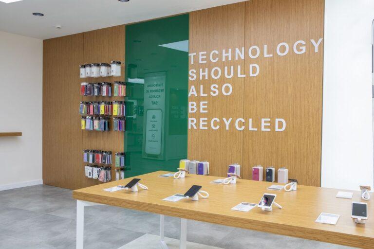 Easycep, Türkiye'nin en büyük yenilenmiş telefon mağazasını açtı