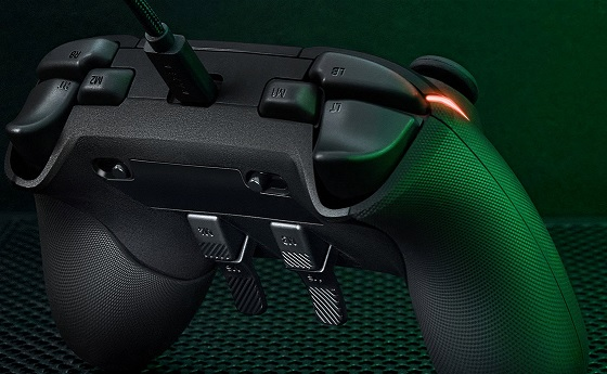 Razer Wolverine V2 Chroma gamepad: Özel tuşlara ve RGB aydınlatma sistemine sahip