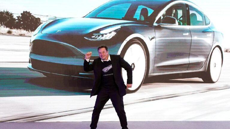 Elon Musk vs Jeff Bezos: Bu rekabete kalp dayanmaz