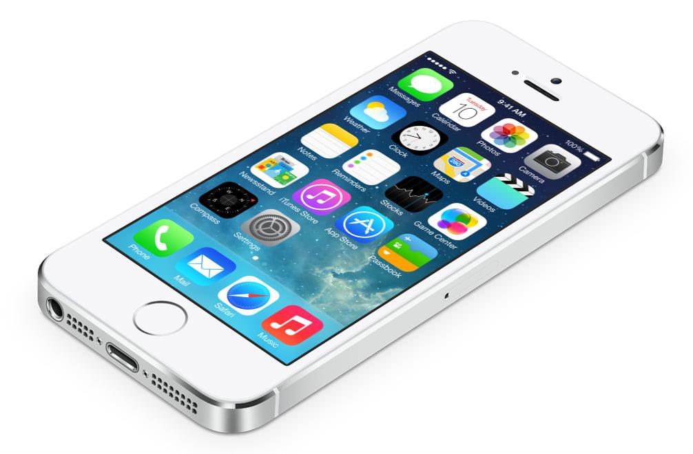 iPhone 5S, iPhone 5'i Nakavt Etti, iPhone 5C Yine Hayal Kırıklığı Yarattı!