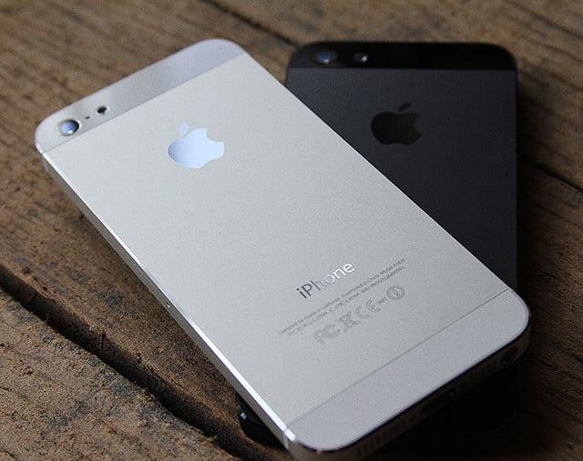 Kırmızı iPhone 5C'nin Fotoğrafı Ortaya Çıktı!