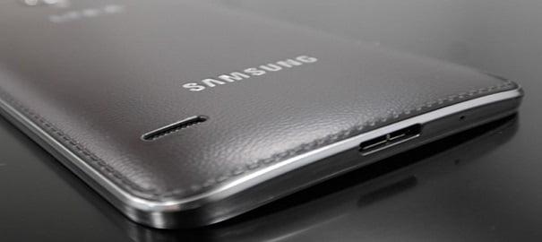 Galaxy S5'in de Arkası Deri Olabilir